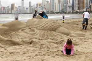 Festival de Esculturas de Areia 22 05 16 Foto Celso Peixoto   (6) (Copy)