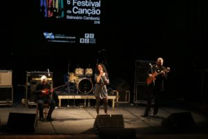 Calmaria - Bruno Kohl e Edu Colvara - Festival da Canção 2ª noite Foto Celso Peixoto (12)