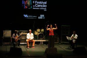 Choro de Faia - Ricardo Pauletti e Lenildo Gomes - Festival da Canção 2ª noite Foto Celso Peixoto (6)