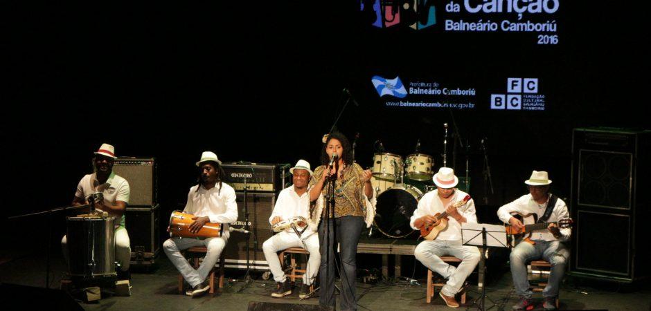 Definidas as 10 primeiras finalistas do Festival da Canção 2016
