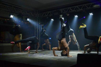 """Nesta quinta-feira (16) tem espetáculo """"Summer Show"""" no Teatro Bruno Nitz"""