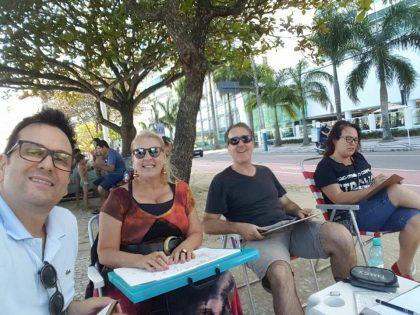 Grupo se reúne para desenhar Balneário Camboriú