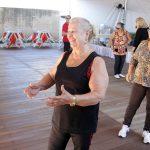 Curso de teatro desperta imaginação e talento de idosos