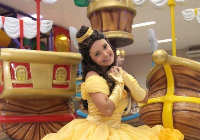 """Espetáculo """"Heróis e Princesas – A Magia Nunca Acaba"""" será apresentado sábado e domingo no Teatro Bruno Nitz"""