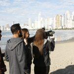 Alunos produzem filmes na oficina de Super-8 em Balneário Camboriú