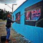 """Exposição """"Olhares Urbanos"""" é colada em muros de Balneário Camboriú"""