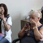 Oficina de automaquiagem para idosas abre inscrições para a oitava turma