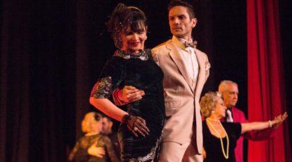 """Teatro Bruno Nitz recebe espetáculo """"Vintage"""" nesta sexta-feira"""