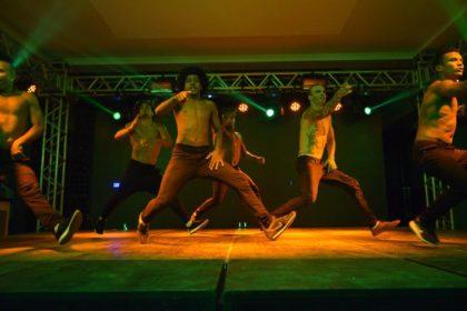 """Espetáculo """"Summer Show"""" retorna ao palco do Teatro Bruno Nitz nesta terça-feira"""