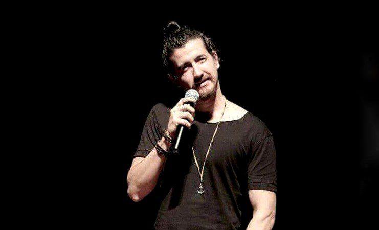 Teatro Bruno Nitz recebe o comediante Afonso Padilha nesta quinta-feira