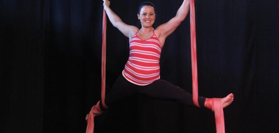 ÚLTIMAS VAGAS!!   Inscrições para oficinas gratuitas de trapézio e tecido acrobático terminam esta semana