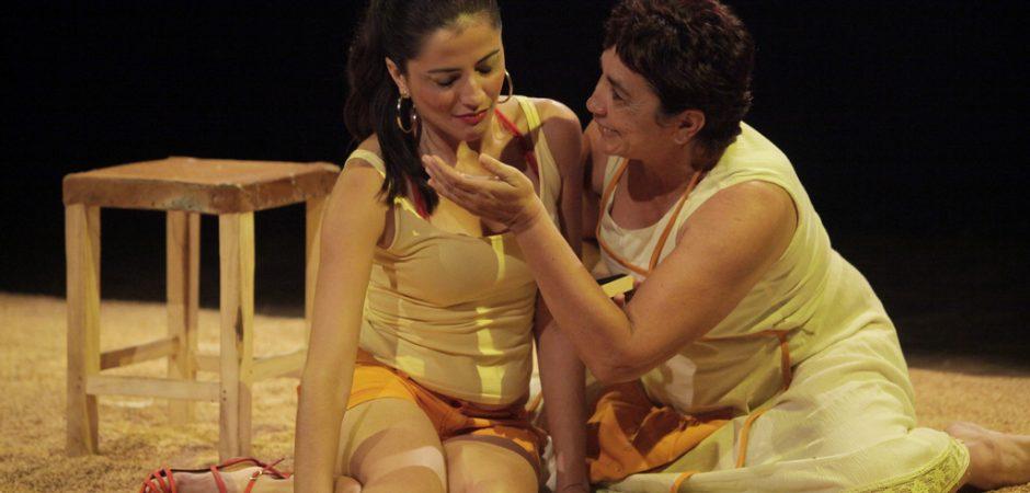 Grupo cearense apresenta espetáculo gratuito no Teatro Municipal Bruno Nitz