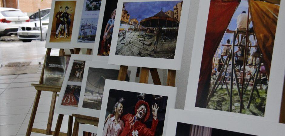 História do Circo Teatro Biriba no hall da Prefeitura