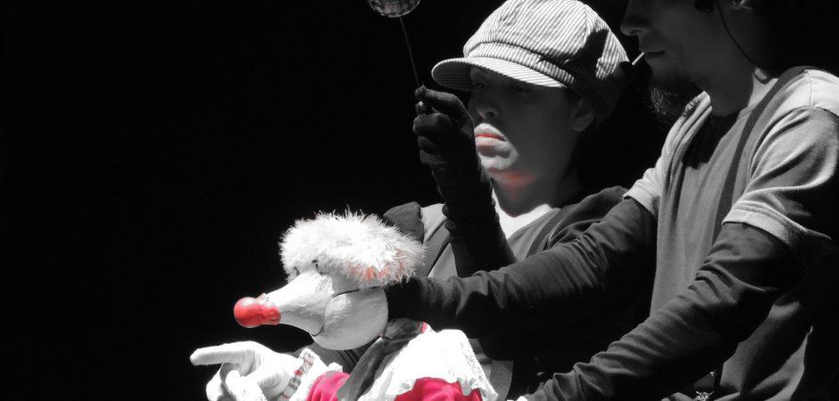 "Espetáculo ""Clownti"" será apresentado nesta terça (17) no Teatro Bruno Nitz"