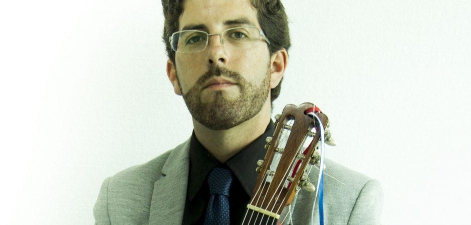 Teatro Bruno Nitz terá concerto de violão nesta sexta-feira (27)