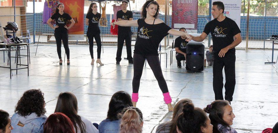 """Espetáculo de dança """"O Mundo no Salão"""" estreia neste sábado (7)"""