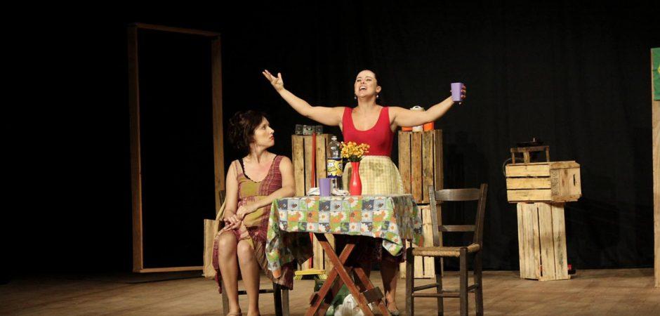 Teatro Bruno Nitz recebe espetáculo Arrox cum Ovu neste sábado (15)