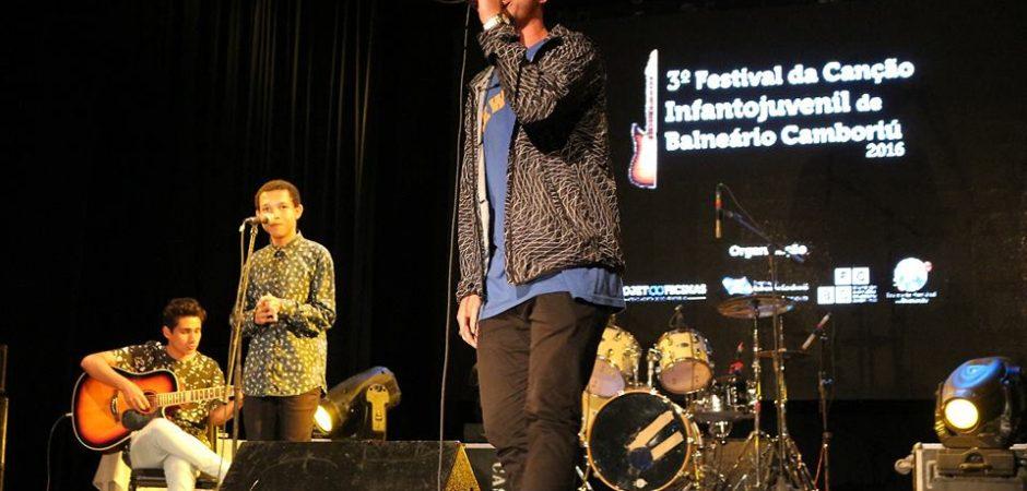 Vencedores do Festival da Canção Infantojuvenil, na categoria autoral, planejam continuar cantando e compondo