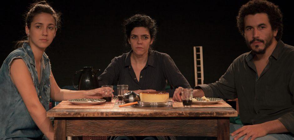 """Peça """"Plano sobre Queda"""" será apresentada no Teatro Bruno Nitz nesta segunda (12)"""