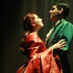"""Teatro Municipal Bruno Nitz recebe peça """"Um Amor de Renúncia"""" neste sábado"""