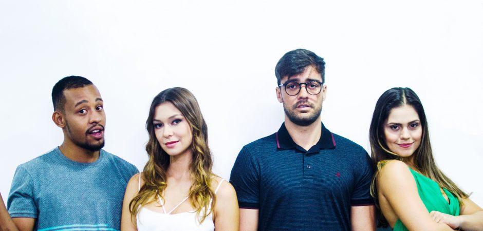 """Espetáculo """"Deu Treta"""" será apresentado no Teatro Municipal Bruno Nitz neste sábado"""