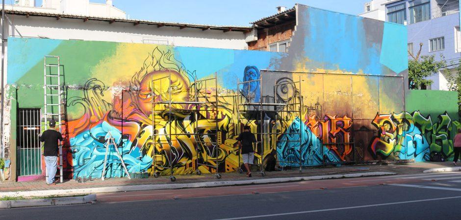 Projeto Colorindo BC City inicia pintura em muro na Avenida Martin Luther