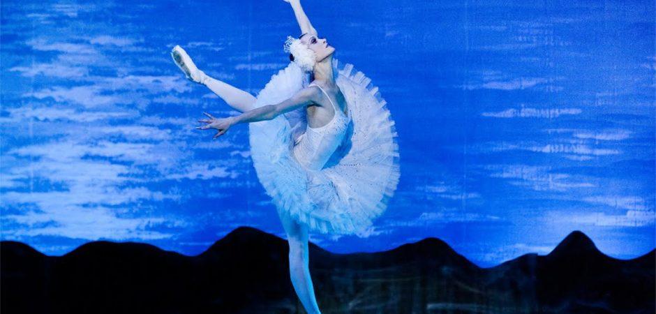 "Teatro Municipal Bruno Nitz recebe espetáculo ""Estrelas do Ballet de Moscow"" neste domingo"