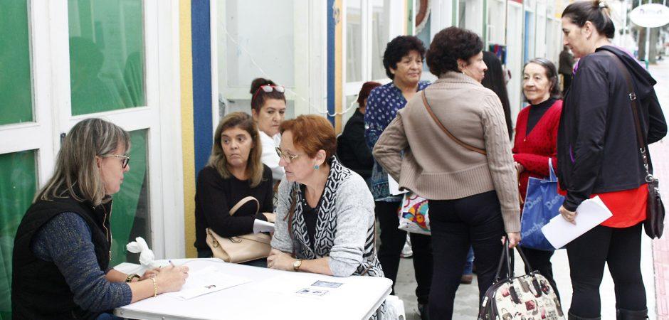 Carteira Nacional do Artesão pode ser solicitada na Vila do Artesanato