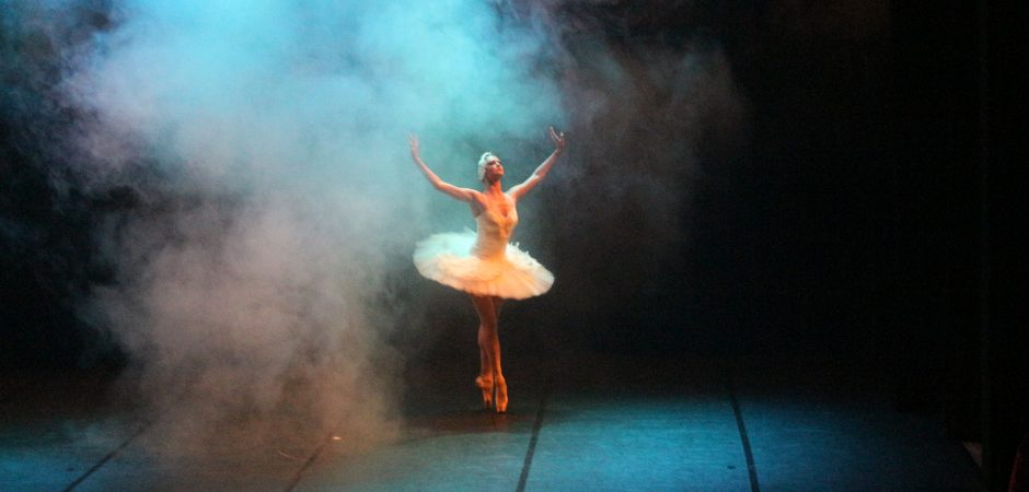 """Estrelas do Ballet de Moscow"" será reapresentado no Teatro Bruno Nitz neste domingo"