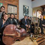 Domingo tem música instrumental no Molhe da Barra Sul