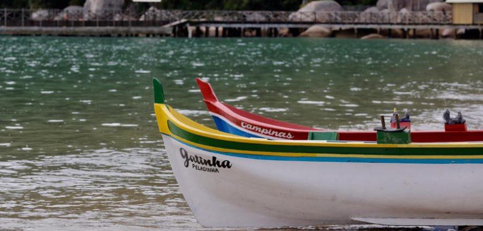 Arrancadão de Canoas Artesanais marca encerramento da Pesca da Tainha em Balneário Camboriú