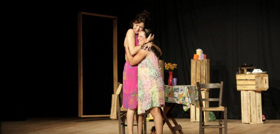 """Comédia """"Arrox Cum Ovu"""" será apresentada no Teatro Bruno Nitz neste domingo"""