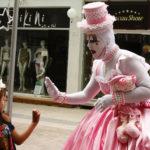 Artista de rua de Balneário Camboriú contará sua história em rede nacional