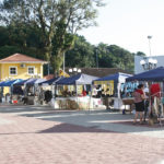 Moradores da Barra recebem feira na Praça do Pescador