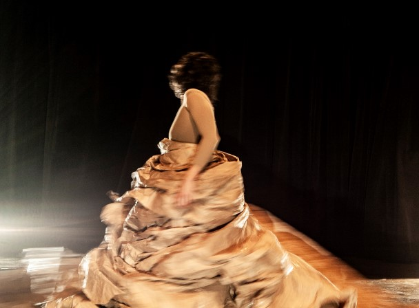 Teatro Municipal terá espetáculo de dança contemporânea nesta segunda e terça-feira
