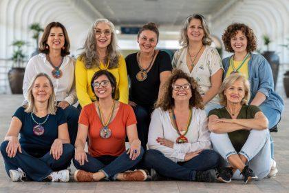 LIC: Feira Noturna terá apresentação do grupo As Passarinhas nesta sexta-feira