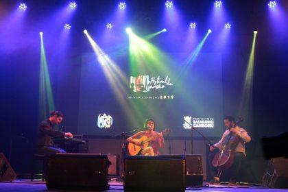 Show de talentos no encerramento do Festival da Canção