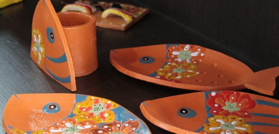Casa Linhares conta com exposição de artesanato e acervo de livros